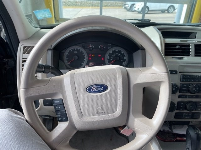 Used 2008 Ford Escape XLT with VIN 1FMCU93168KA40640 for sale in Winona, Minnesota